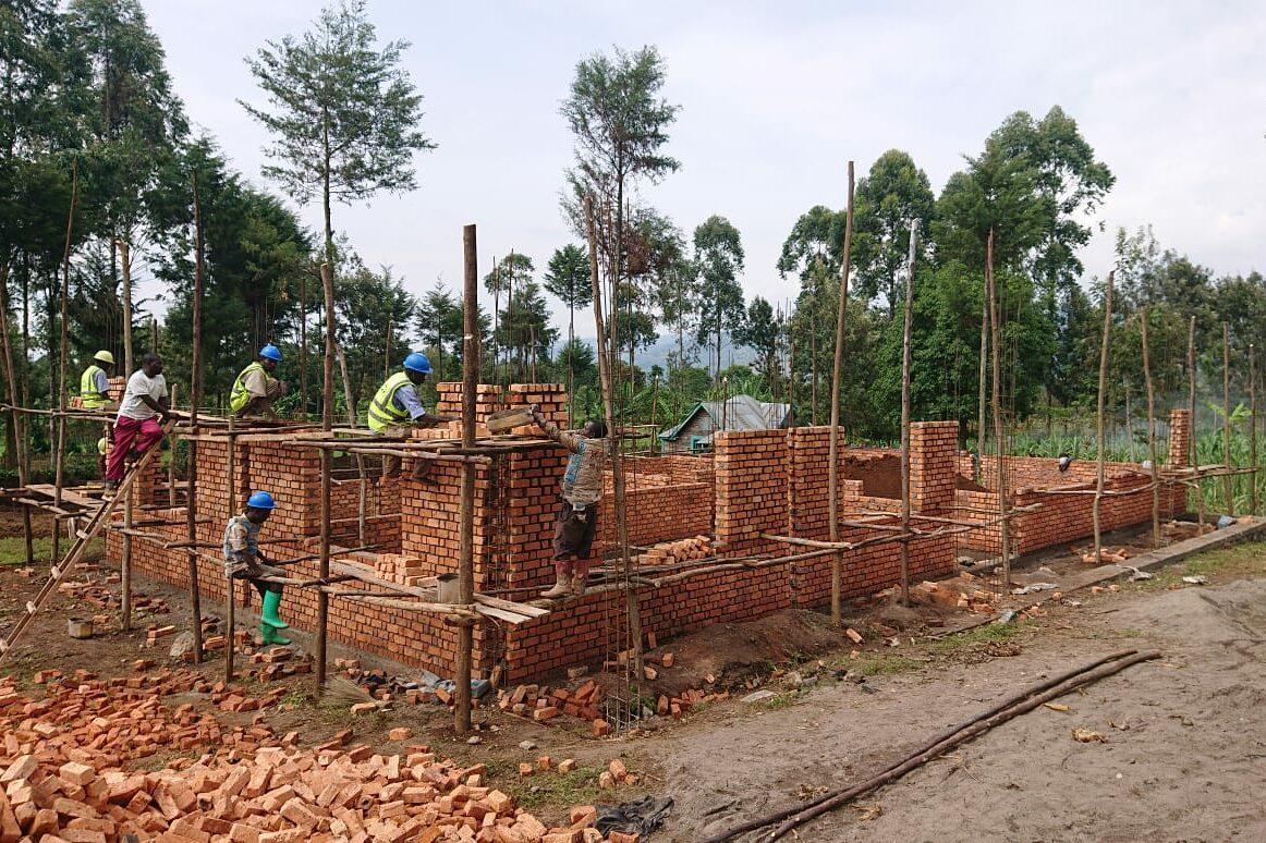 Der Bau